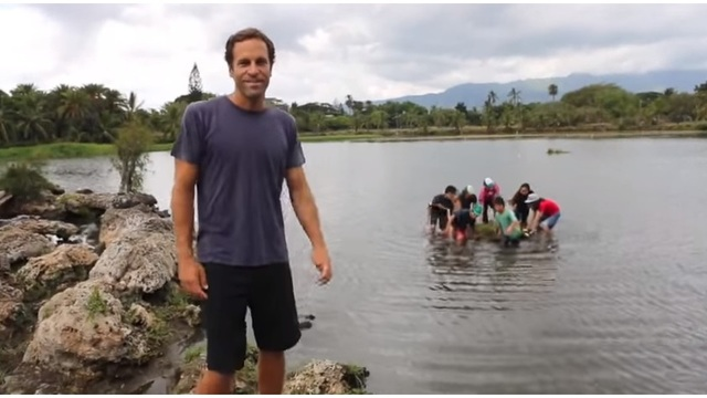 Jack Johnson's foundation to fund field trips for Hawaii students