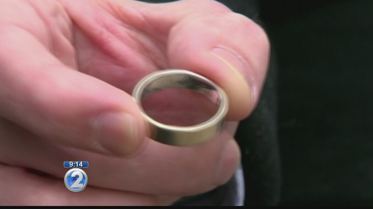Man reunites with his wedding ring after losing it on Maui