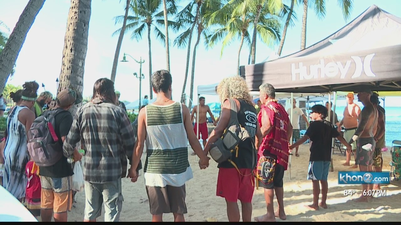 Dive Oahu Holds Blessing Ceremony At Kuhio Beach